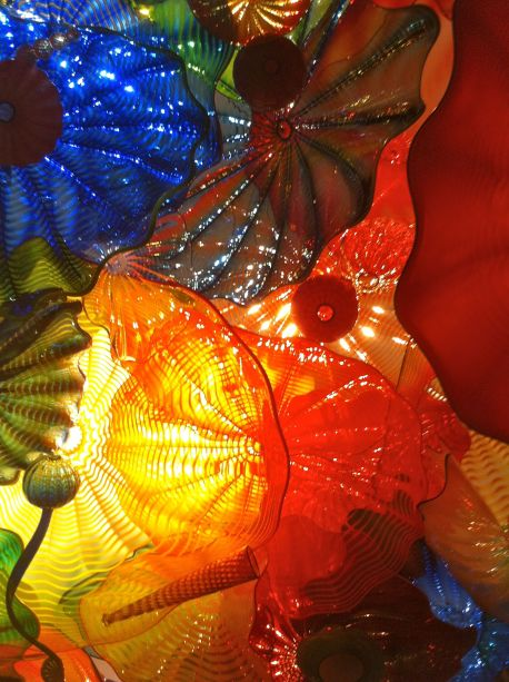 Chihuly layers pieces and nest smaller shapes into larger shapes in his Persian Ceiling. (Detail.)