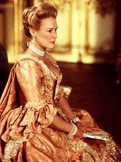 Close as Marquise de Merteuil in Dangerous Liaisons. [Image courtesy: the Oscar Nerd.com]