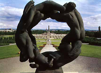 Wheel of Life scuopture at Vigeland Park [Image courtesy: Red Ice Creations]
