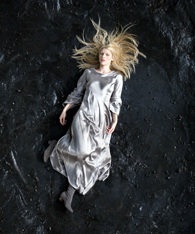 Danes as a fallen star in Stardust [Image courtesy: About.com]