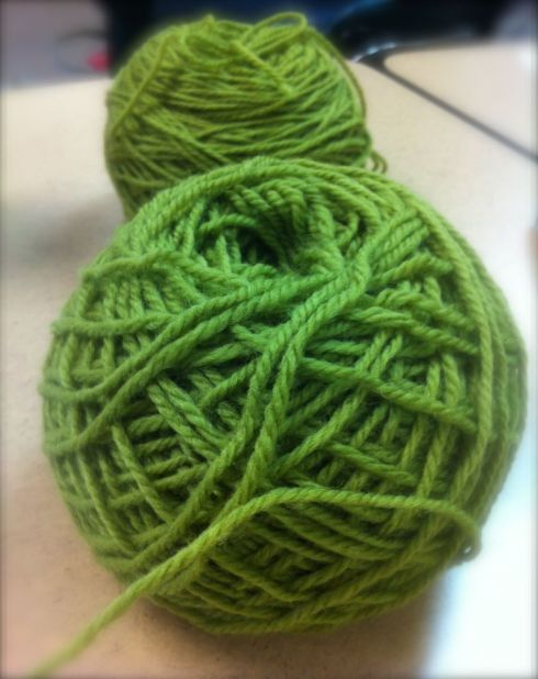 Green wool always calls to me. I've made an afghan in shades of the stuff and I still love it. Maybe it is the Irish in me. And since I choose this wool for my Aran class I was feeling doubly blessed by the Emerald Isles.
