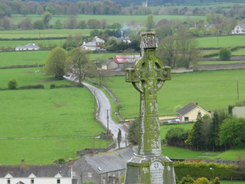 [Image Courtesy : http://veganfusion.files.wordpress.com/2009/04/irish-landscape.jpg]