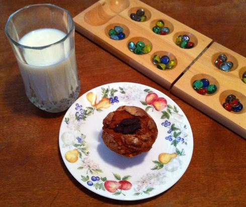 A game of mancala and a glass of cold milk is the only thing that could possibly make these muffins any better than they already are. Just sayin'